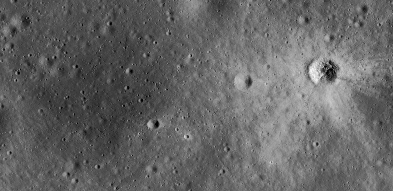 Luna 12: Lunar Orbit