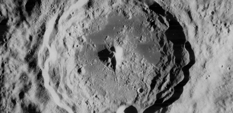 Lunar Orbiter 5: Lunar Orbit